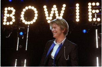 David-Bowie_Chicago_2002-08-08_photoby_Adam-Bielawski